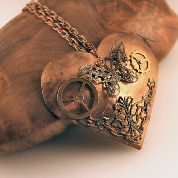 14012N – Steampunk butterfly heart necklace Copper – sold